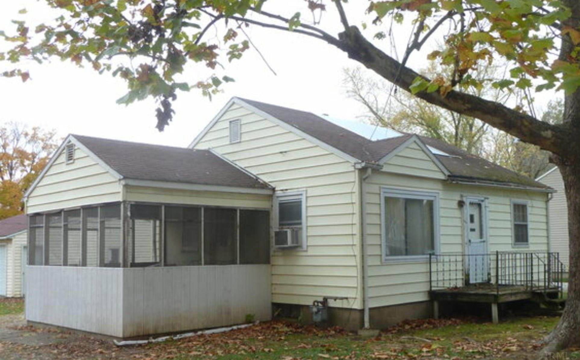 Single Family Homes pour l Vente à 502 W Summit Street Delphi, Indiana 46923 États-Unis