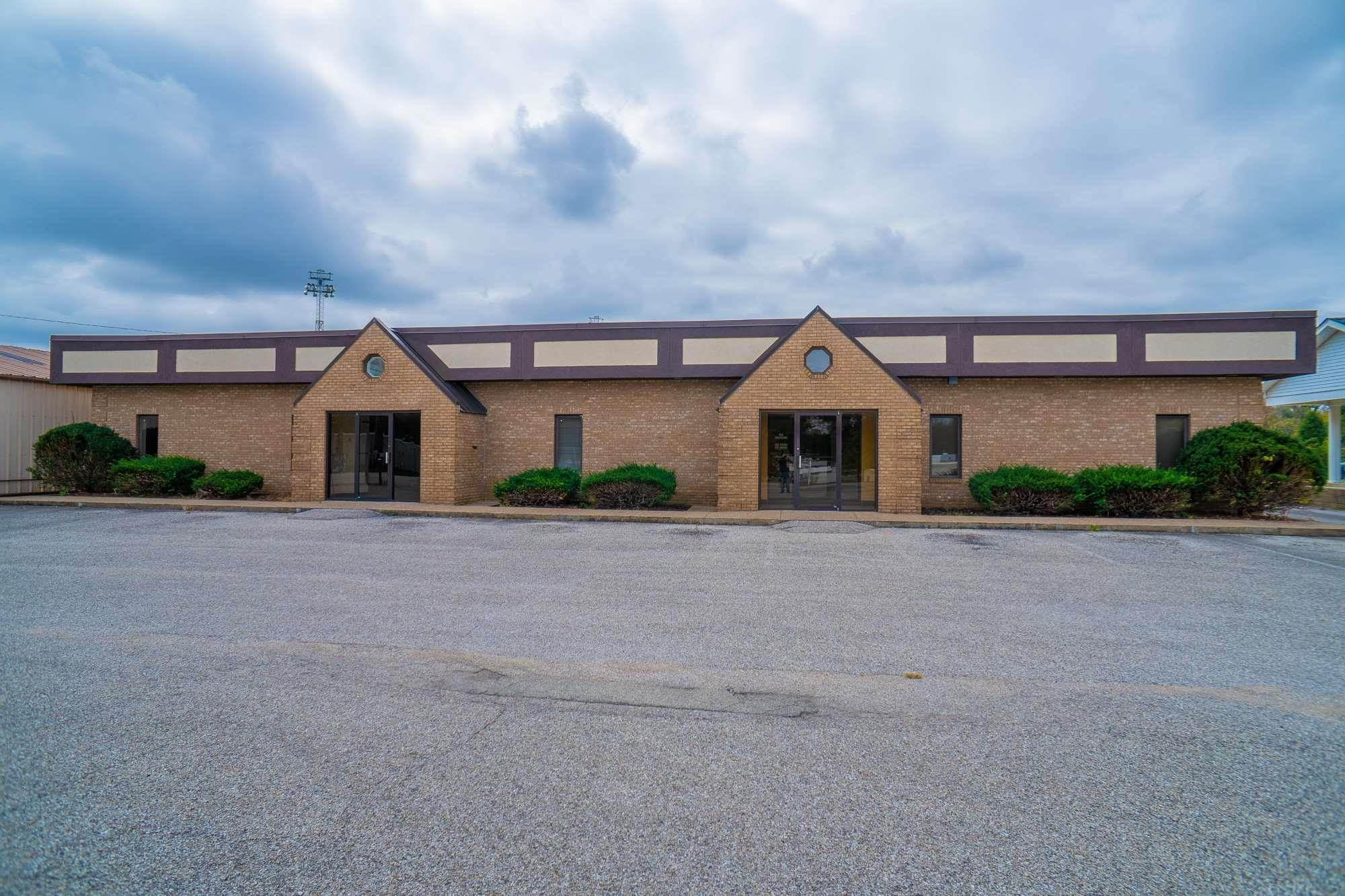 Commercial for Sale at 800 900 Sycamore Street Rockport, Indiana 47635 United States
