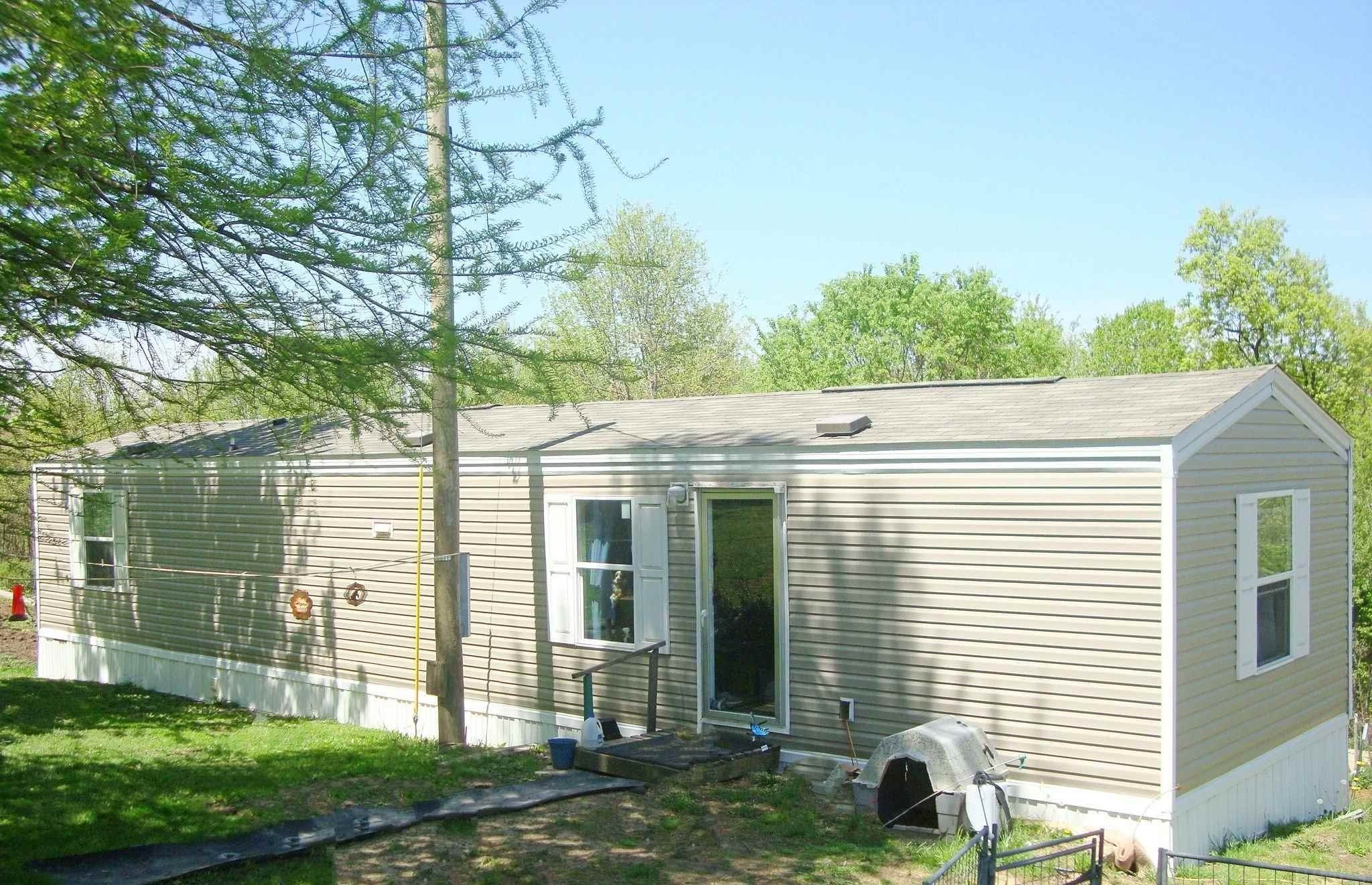 Manufactured Home for Sale at 2901 Rutherford Road Loogootee, Indiana 47553 United States