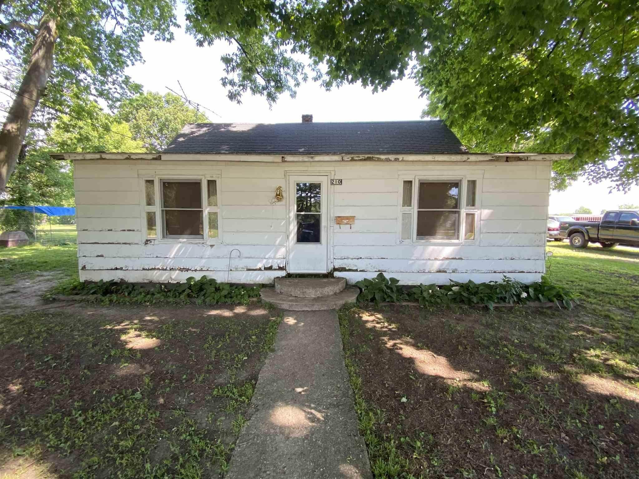 Single Family Homes por un Venta en 210 W Walnut Street Perrysville, Indiana 47974 Estados Unidos