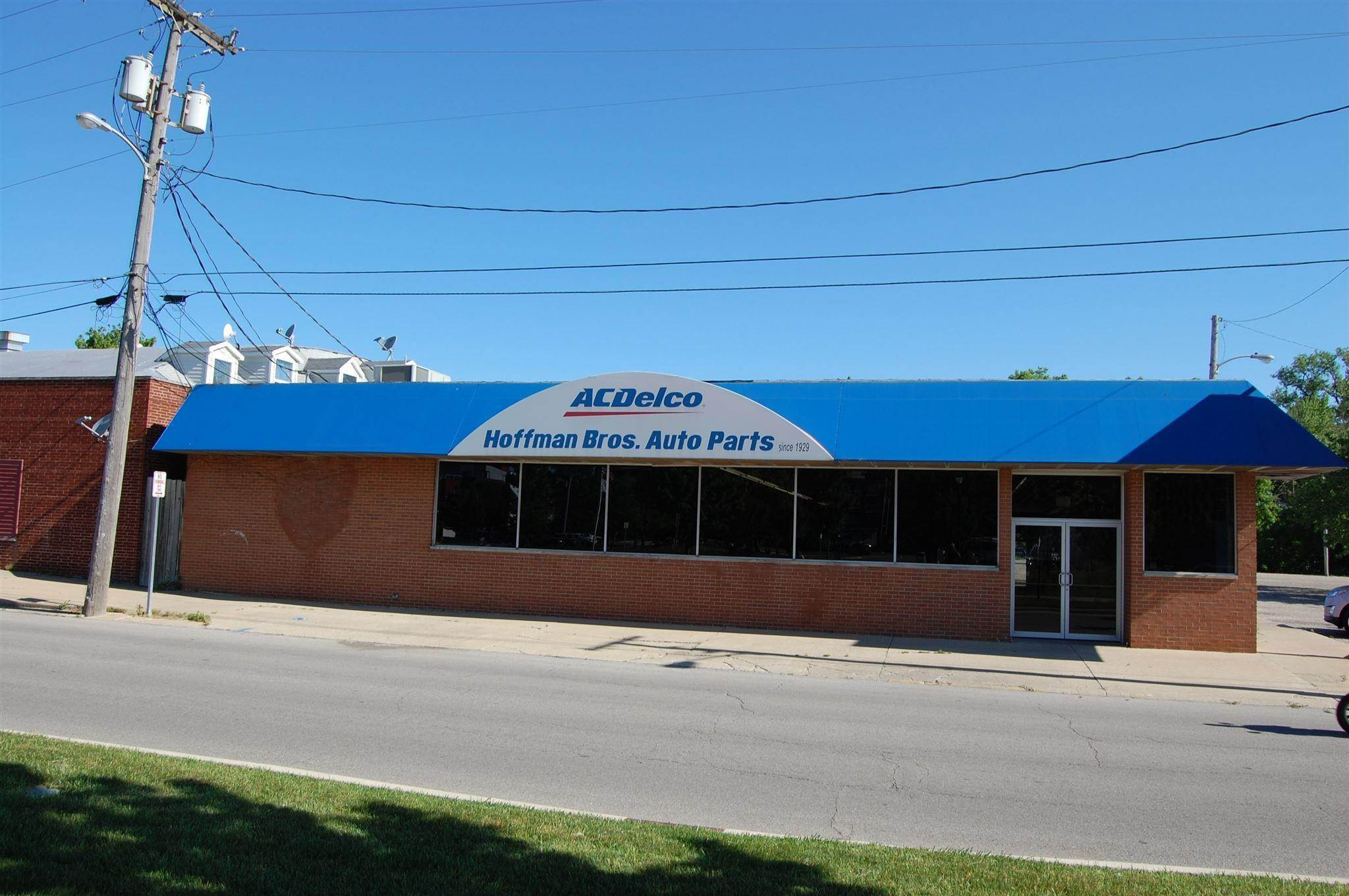 Retail for Sale at 211 E Garro Street Plymouth, Indiana 46563 United States