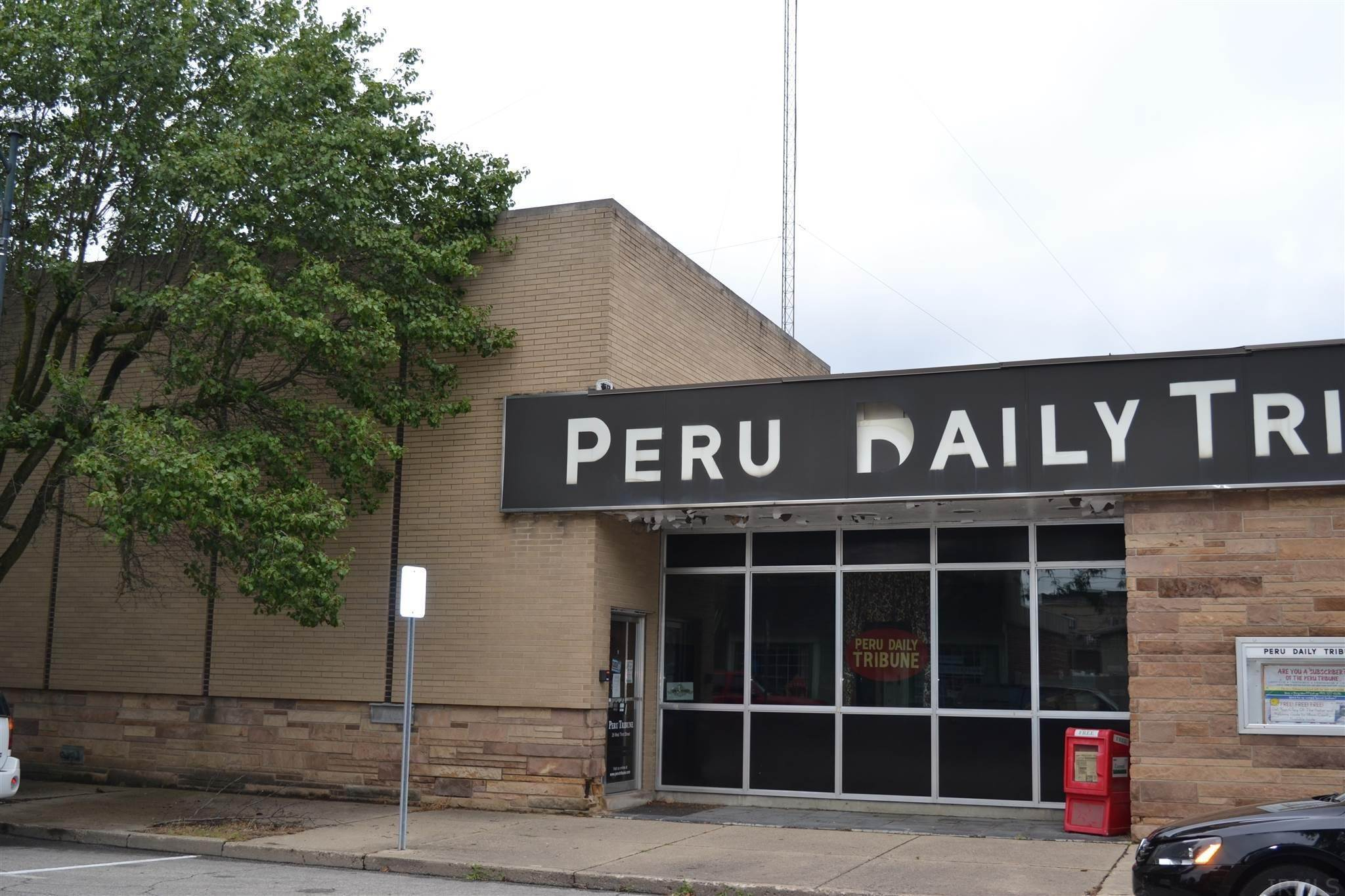 Commercial for Sale at 26 W 3rd Street Peru, Indiana 46970 United States