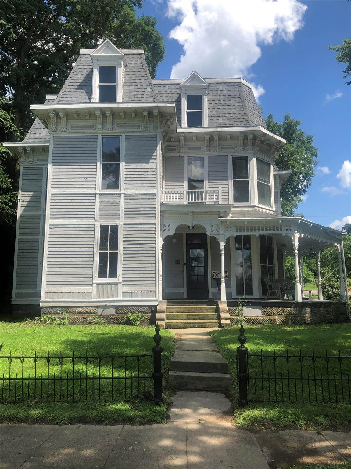 Single Family Homes por un Venta en 407 S Brady Street Ática, Indiana 47918 Estados Unidos