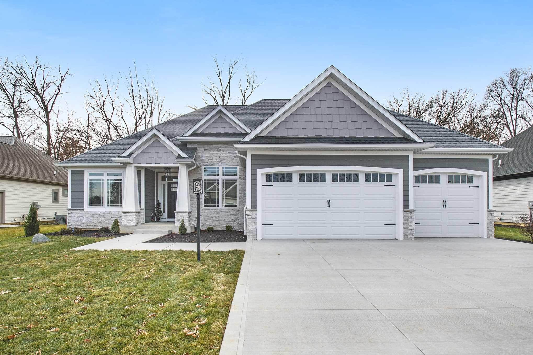 Single Family Homes pour l Vente à 11265 Salem Farms Court Osceola, Indiana 46561 États-Unis