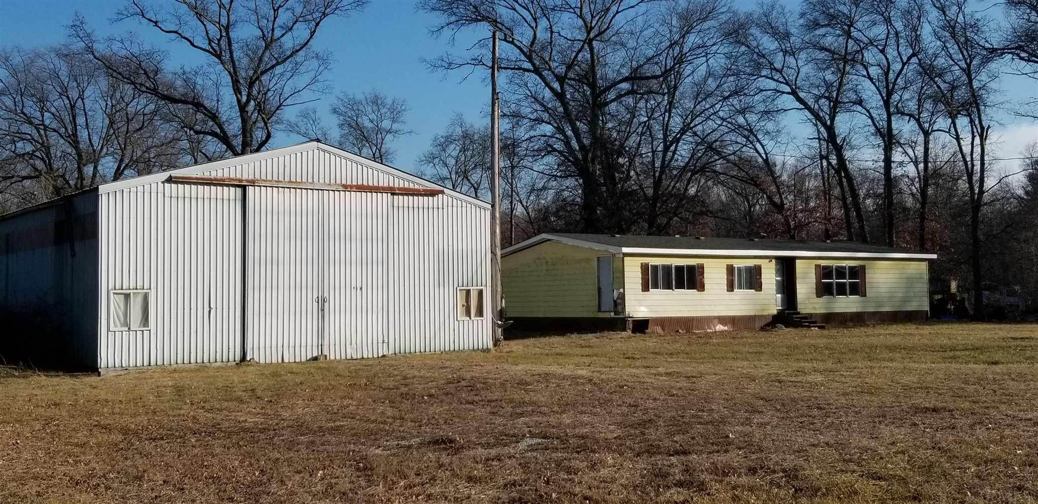 Manufactured Home for Sale at 6390 N US 421 Highway Medaryville, Indiana 47957 United States