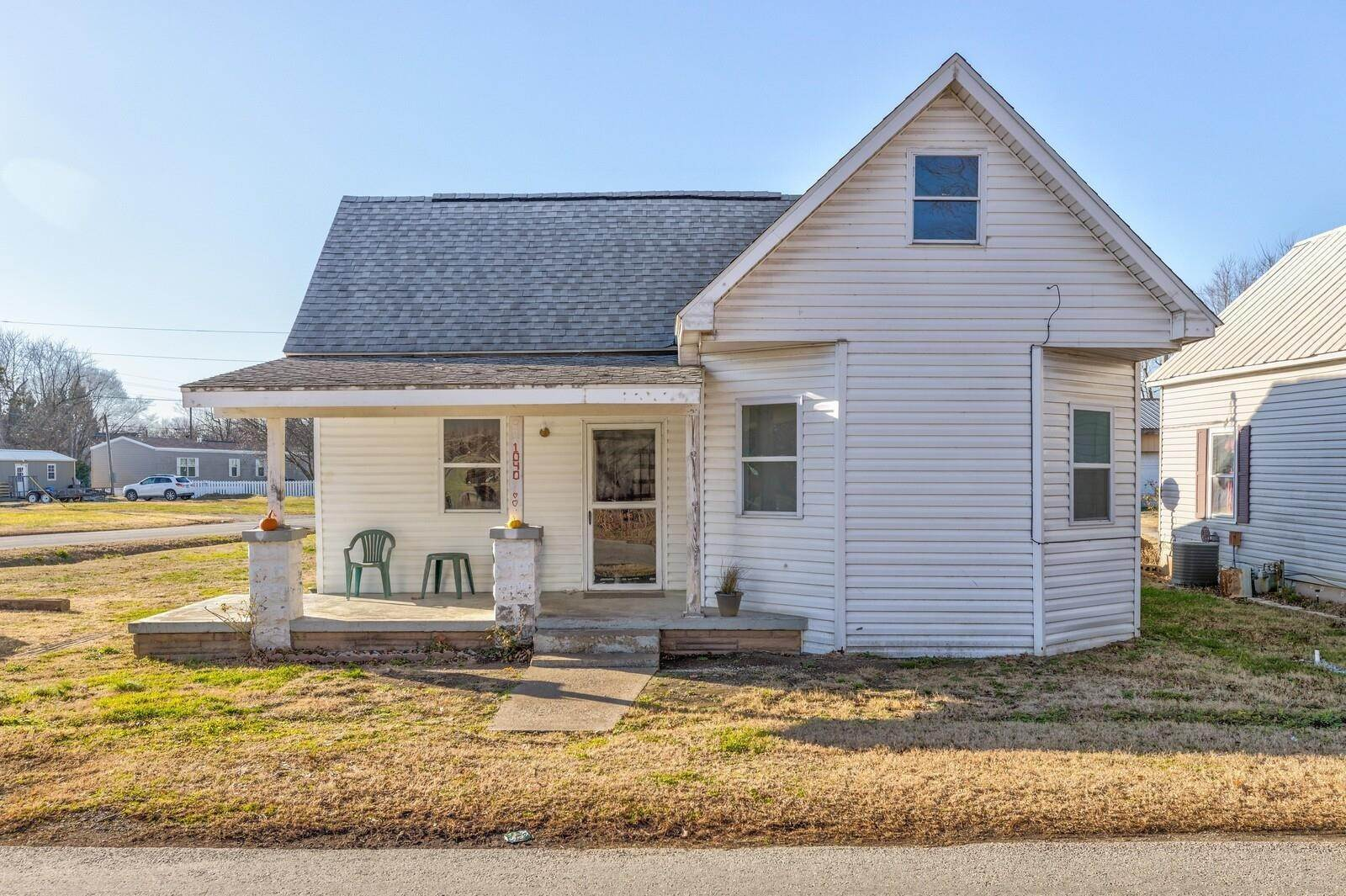 Single Family Homes для того Продажа на 1040 N County Road 900 W Road Richland, Индиана 47634 Соединенные Штаты