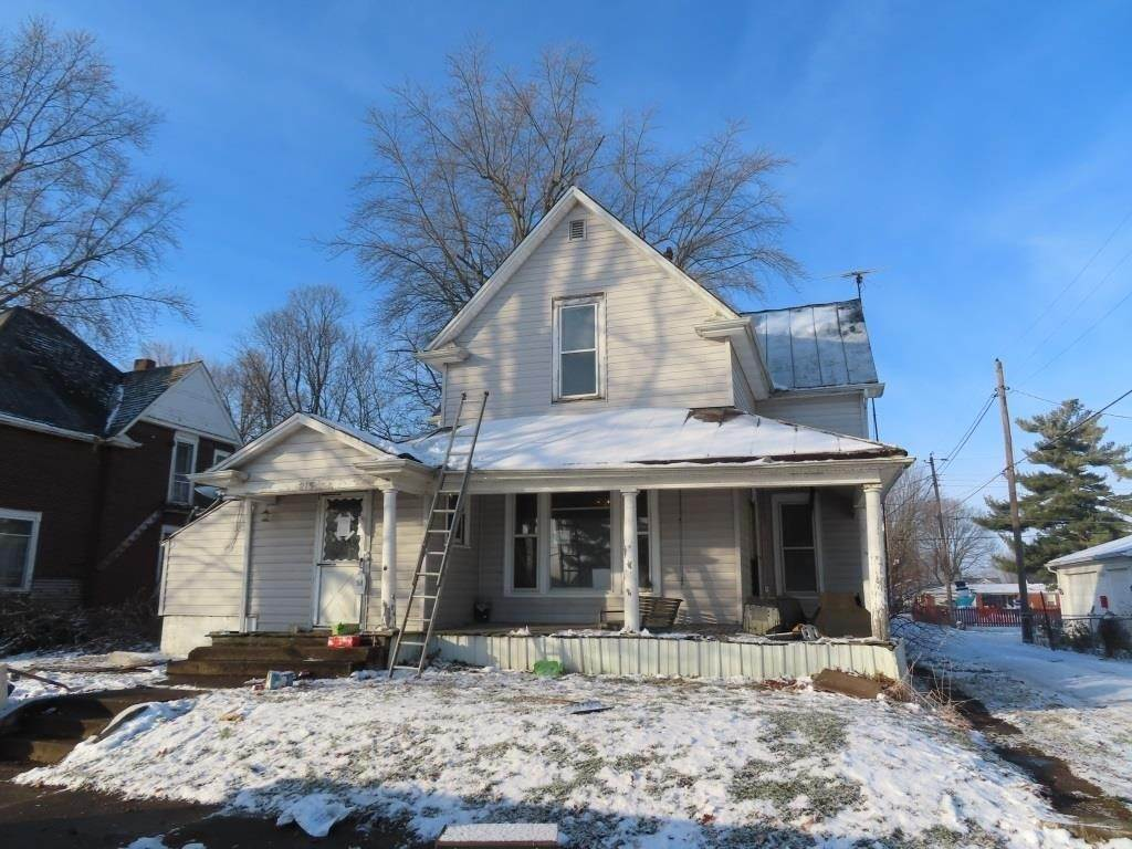 Single Family Homes por un Venta en 215 N Broad Street Mooreland, Indiana 47360 Estados Unidos