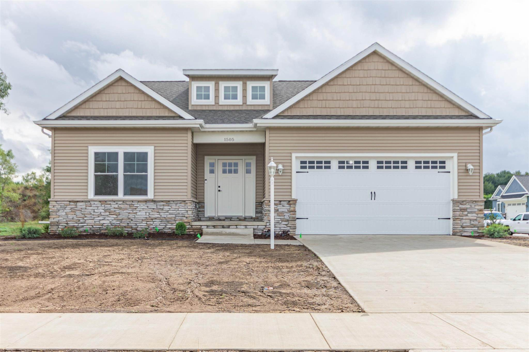 Single Family Homes pour l Vente à 1505 Angelfield Trail Osceola, Indiana 46561 États-Unis