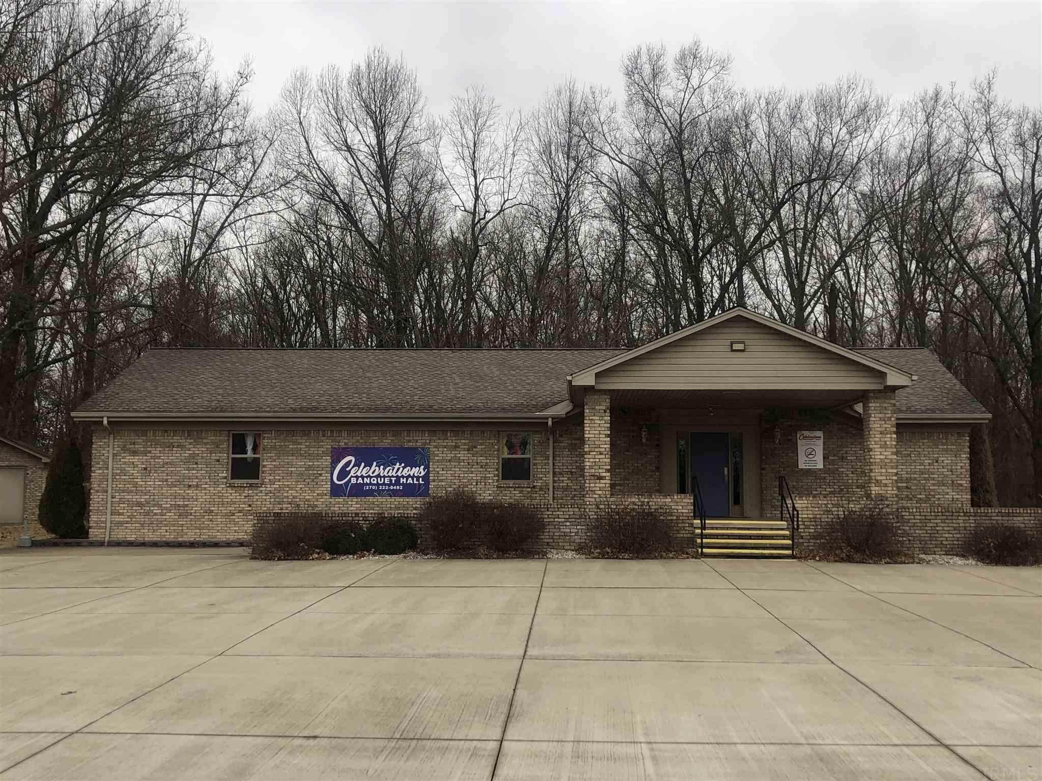 Commercial for Sale at 1038 N State Road 66 Rockport, Indiana 47635 United States