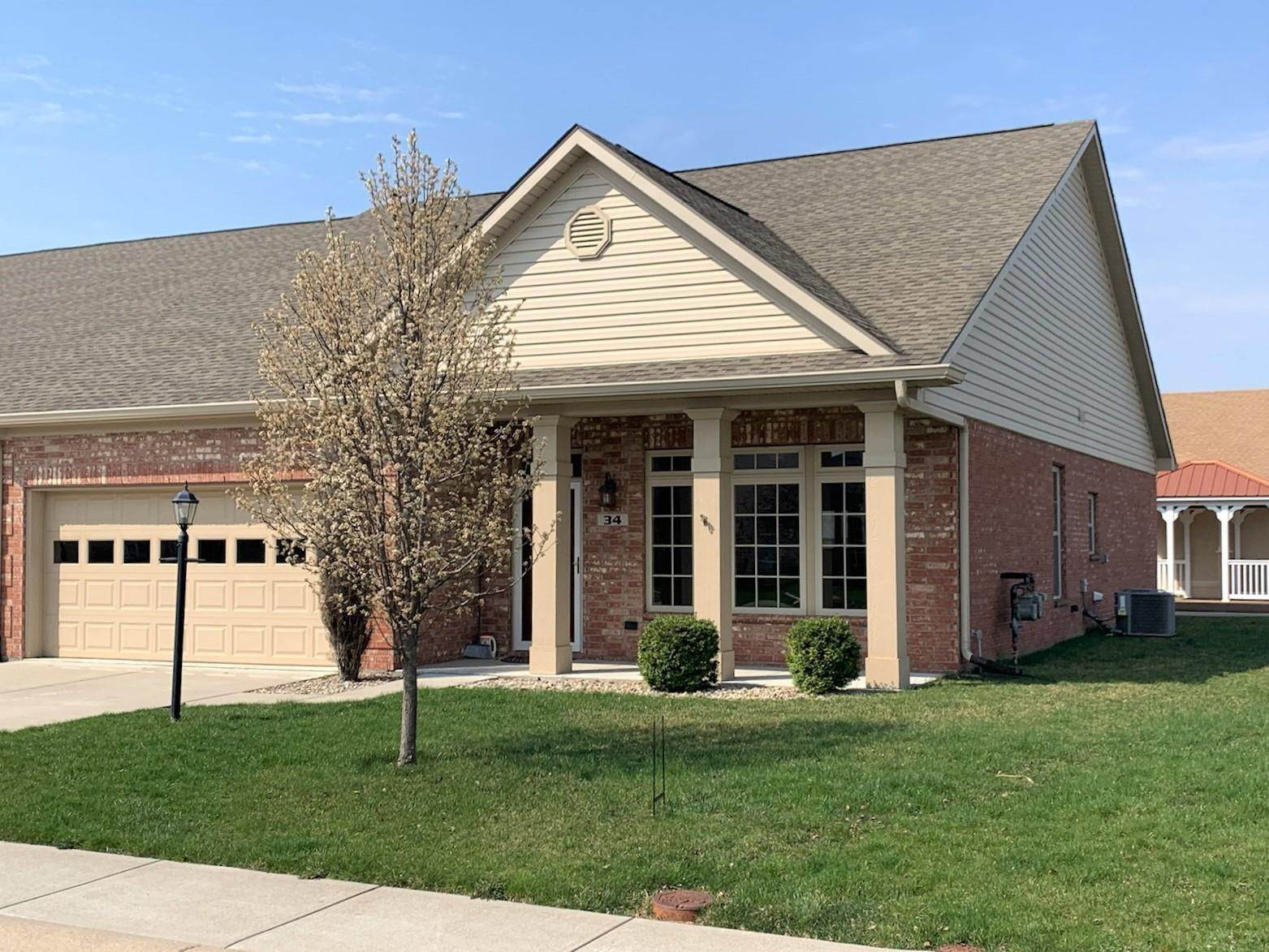 Single Family Homes pour l Vente à 34 Copperleaf Drive Crawfordsville, Indiana 47933 États-Unis