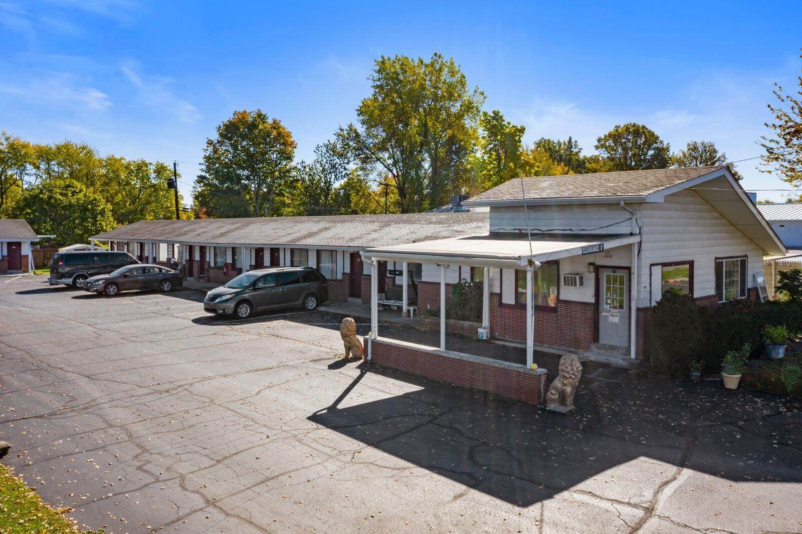 Hotel for Sale at 1806 N Walnut Street Hartford City, Indiana 47348 United States