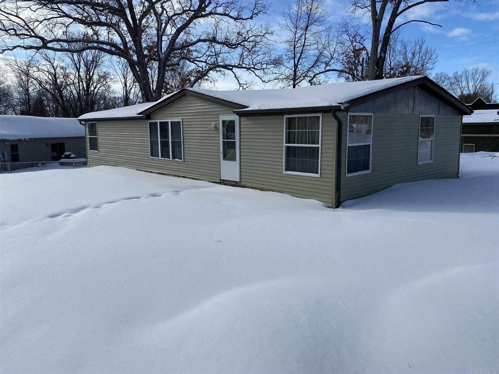 Manufactured Home for Sale at 824 S Arbor Vista Drive North Webster, Indiana 46555 United States