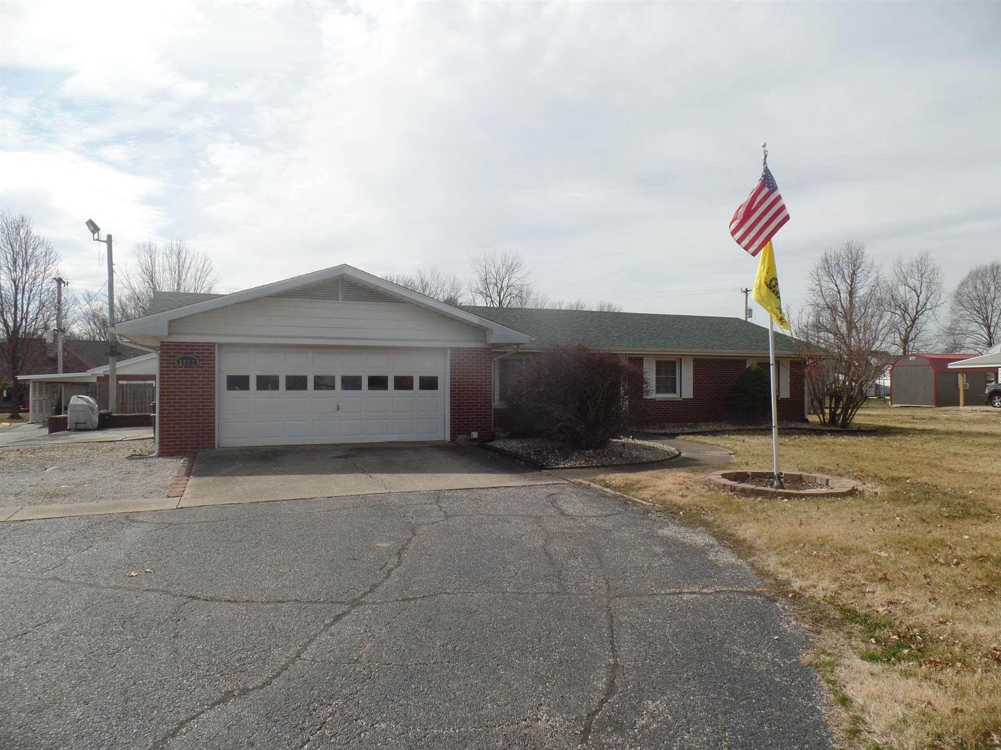 Single Family Homes por un Venta en 1975 E State Hwy 54 Highway Linton, Indiana 47441 Estados Unidos