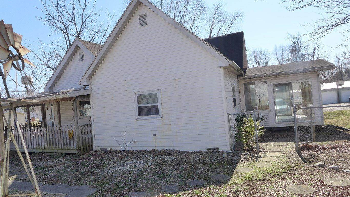 Single Family Homes for Sale at 106 Dewey Street Loogootee, Indiana 47553 United States