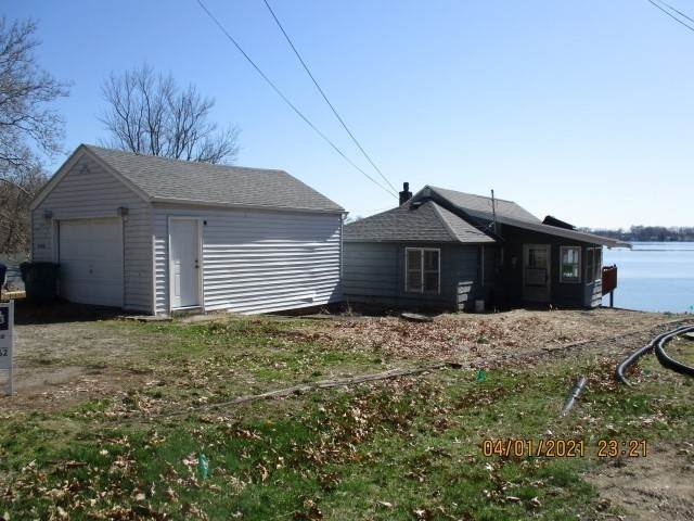 Single Family Homes for Sale at 3105 W Sycamore Road Angola, Indiana 46703 United States