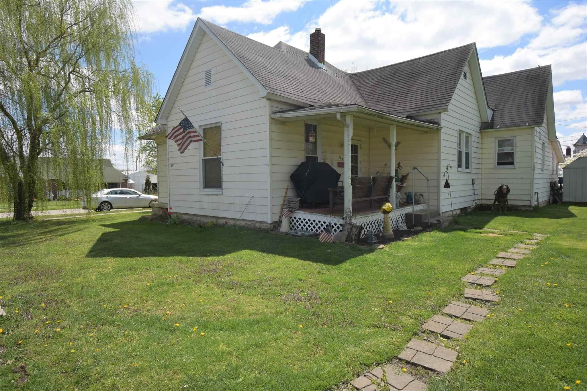 Single Family Homes por un Venta en 189 NE D Street Linton, Indiana 47441 Estados Unidos