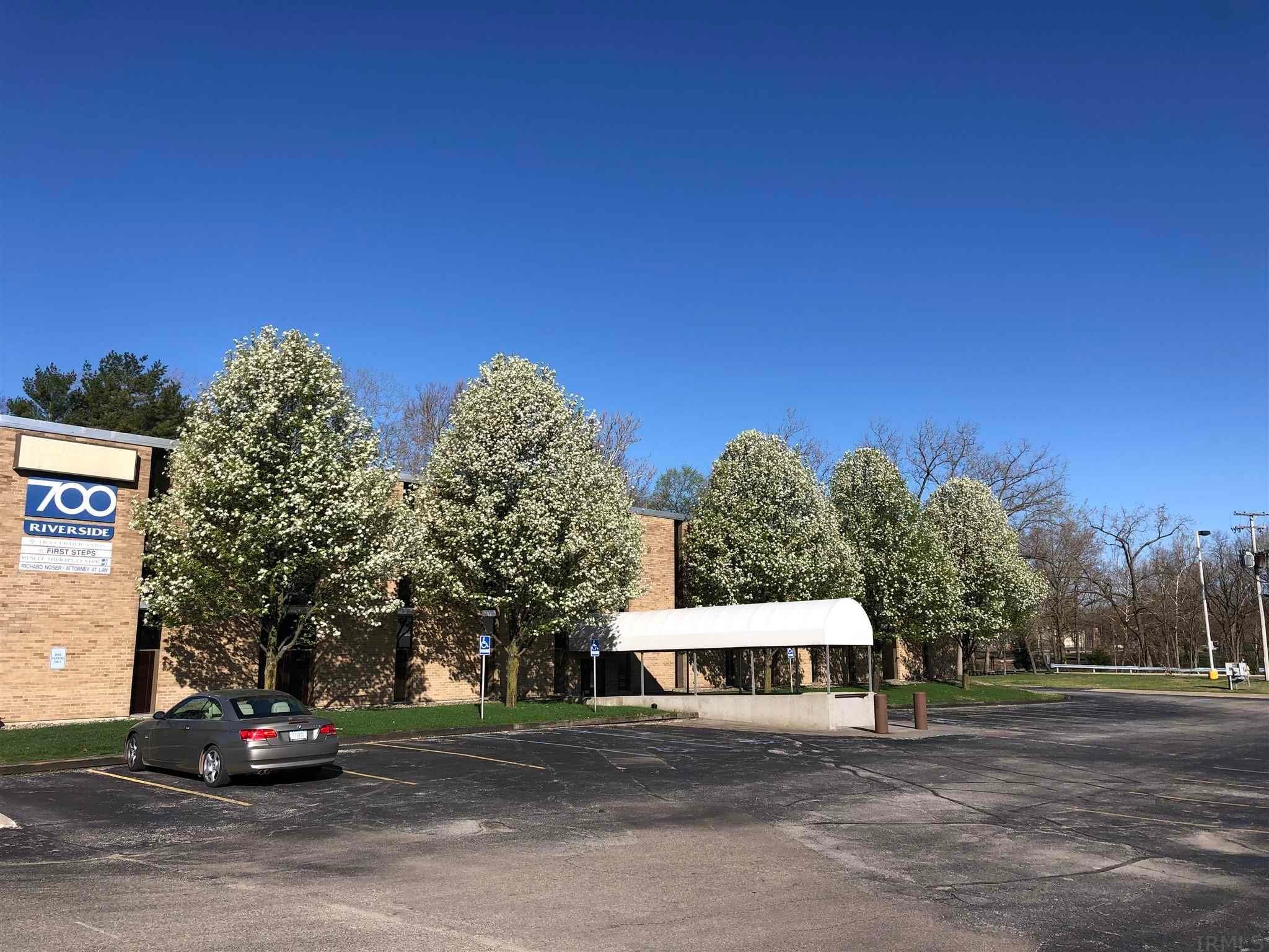 Comm / Ind Lease at 700 E Beardsley Avenue Elkhart, Indiana 46515 United States