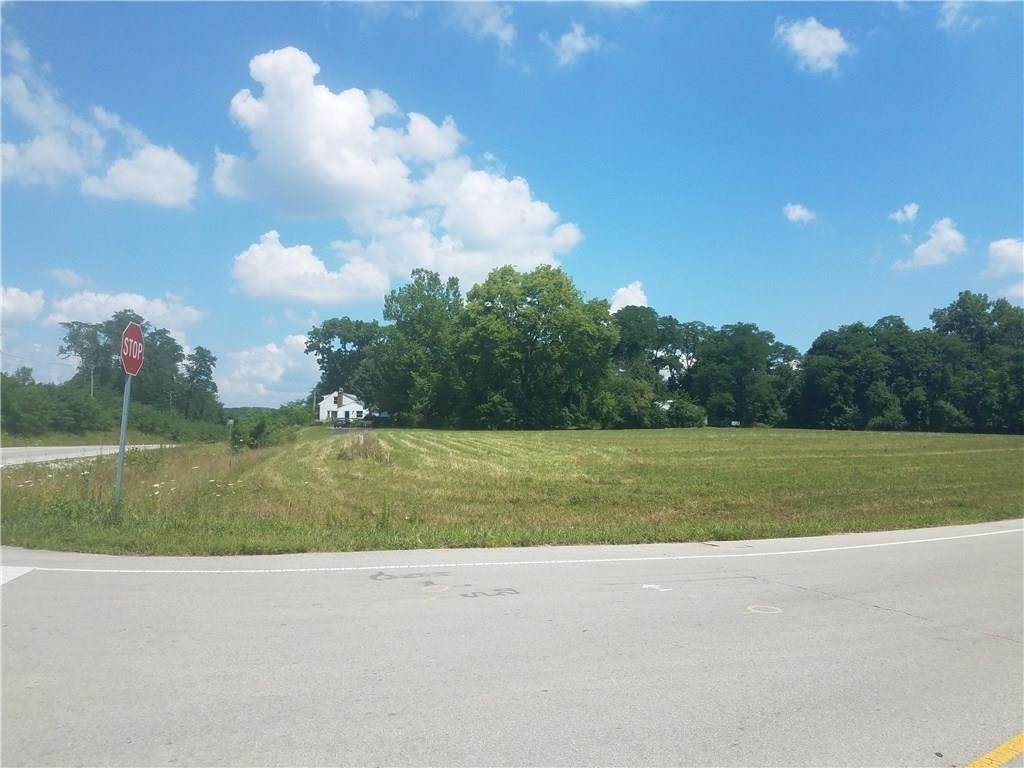 Single Family Homes por un Venta en 18378 Southeastern Parkway Fortville, Indiana 46040 Estados Unidos