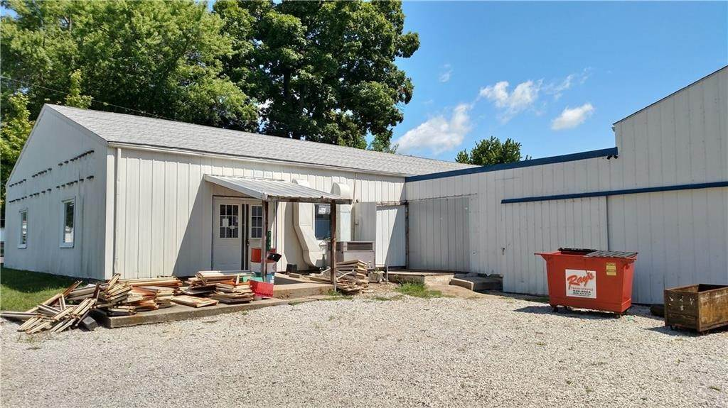 Retail - Commercial for Sale at 7949 Main Street Coatesville, Indiana 46121 United States