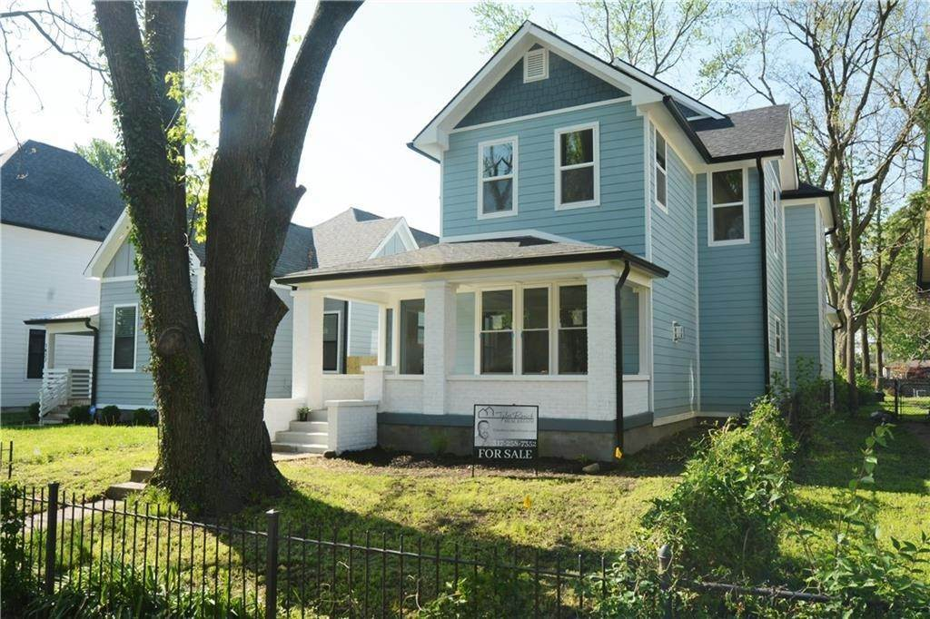 Single Family Homes for Sale at 1421 Lexington Avenue Indianapolis, Indiana 46203 United States