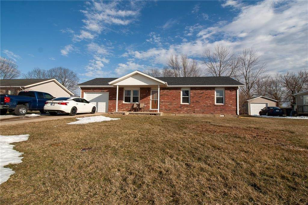 Single Family Homes pour l Vente à 726 N Barbara Drive Rushville, Indiana 46173 États-Unis
