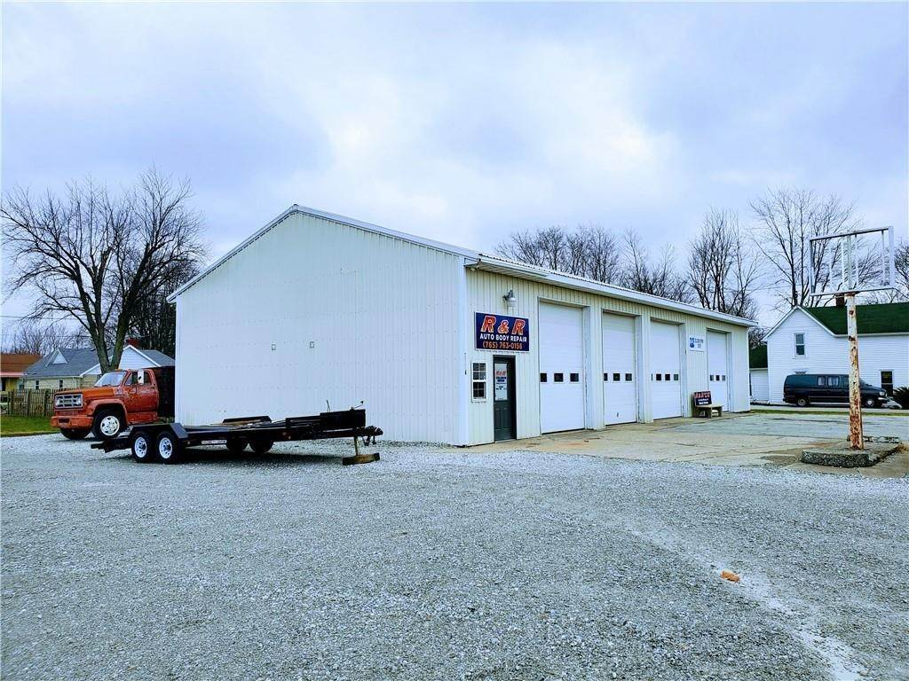 Commercial for Sale at 7004 US Highway 52 Gwynneville, Indiana 46144 United States