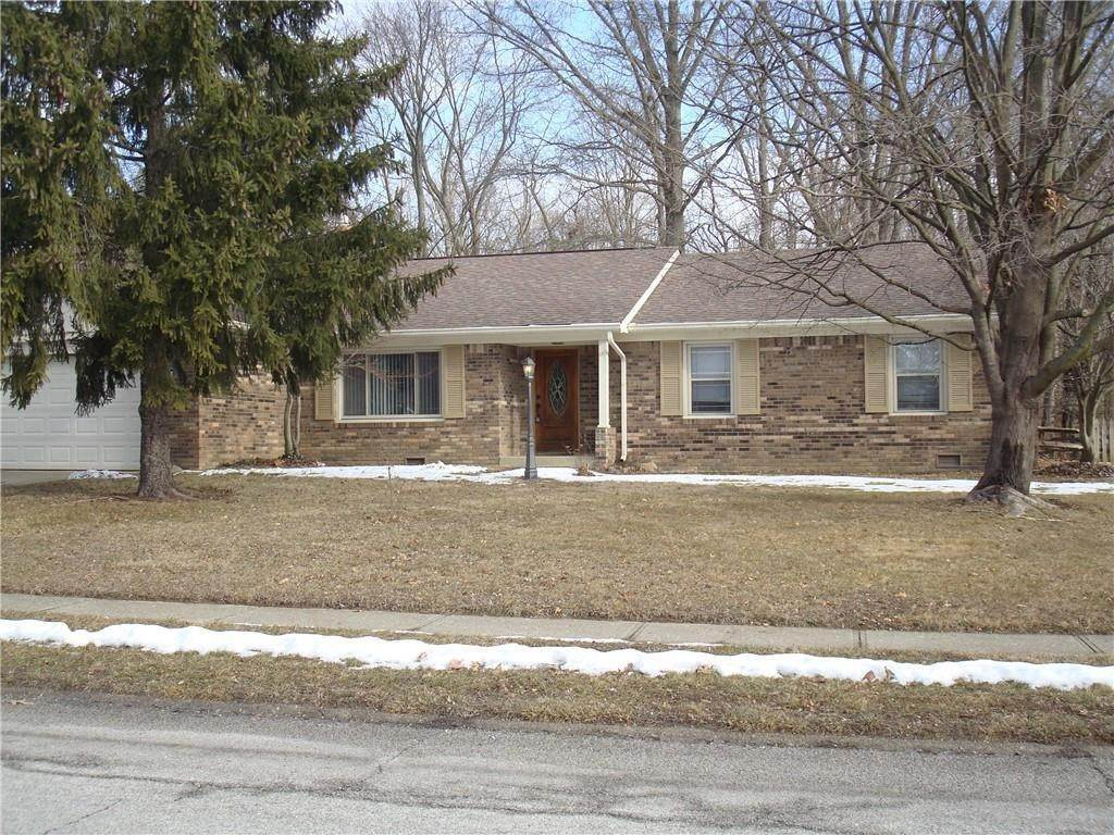 Single Family Homes for Sale at 8344 Chapel Glen Drive Indianapolis, Indiana 46234 United States