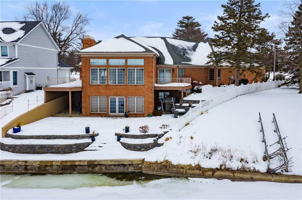 Single Family Homes для того Продажа на 2612 Country Club Drive Rochester, Индиана 46975 Соединенные Штаты