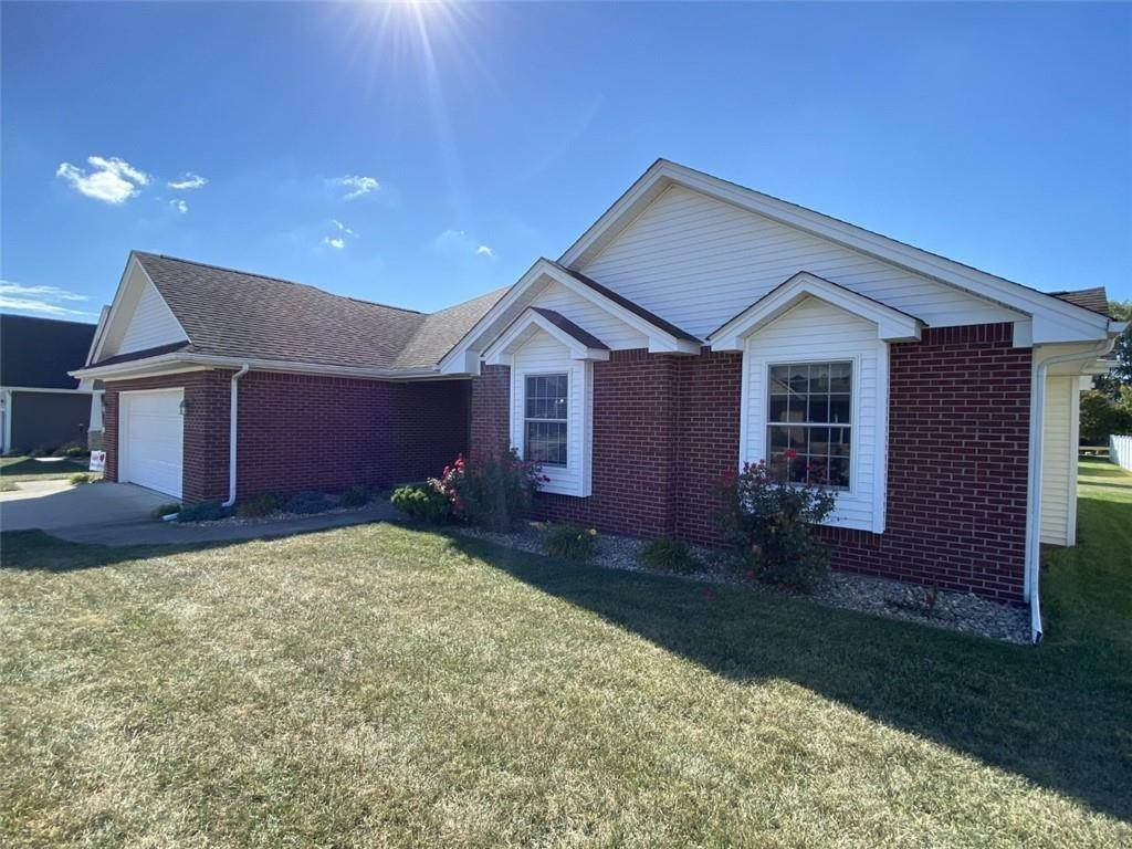 Single Family Homes pour l Vente à 946 Kimberly Drive Brownstown, Indiana 47220 États-Unis