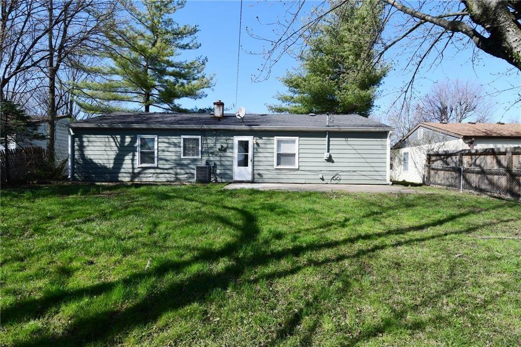 31. Single Family Homes for Sale at 3574 Lynhurst Drive Indianapolis, Indiana 46224 United States