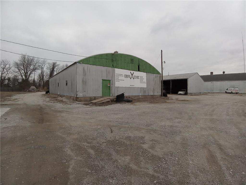 Commercial for Sale at 221 lincoln Rockville, Indiana 47872 United States