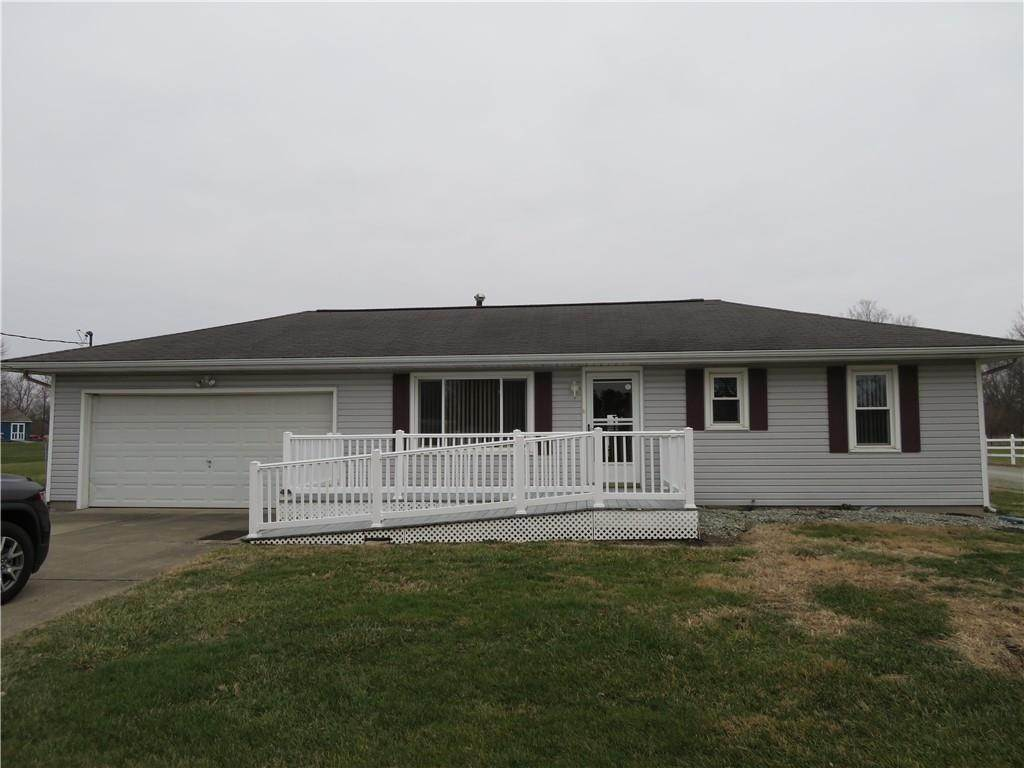 Single Family Homes pour l Vente à 9180 N County Road 800 Middletown, Indiana 47356 États-Unis