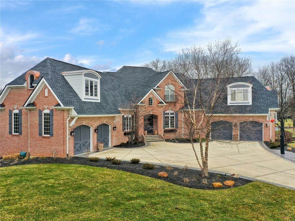 Single Family Homes pour l Vente à 15390 Whistling Lane Carmel, Indiana 46033 États-Unis