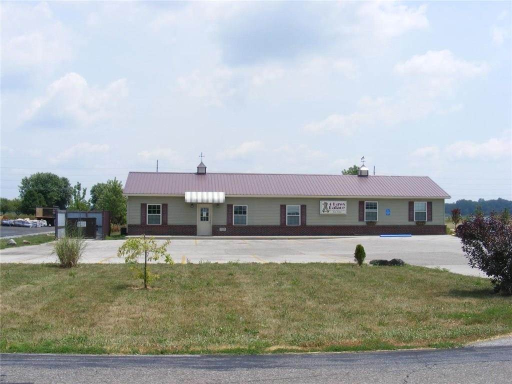 Industrial for Sale at 1025 S Walnut Street Edinburgh, Indiana 46124 United States