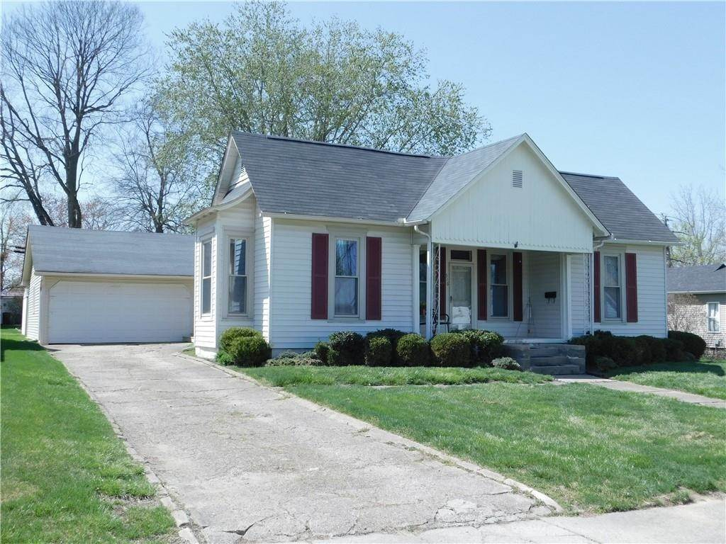 Single Family Homes pour l Vente à 516 S Market Street Rockville, Indiana 47872 États-Unis