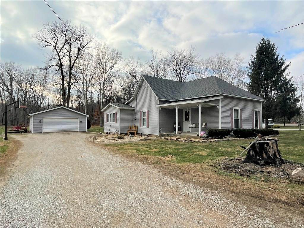 Single Family Homes for Sale at 4072 County Road 625 Greencastle, Indiana 46135 United States