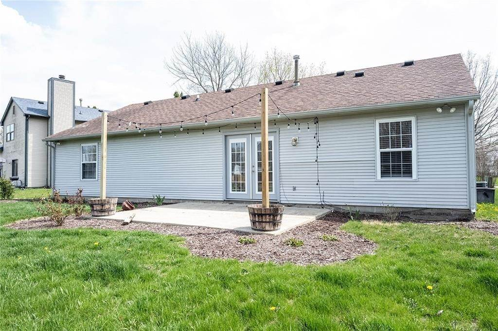 40. Residential Lease for Sale at 8442 PRAIRIE Drive Indianapolis, Indiana 46256 United States