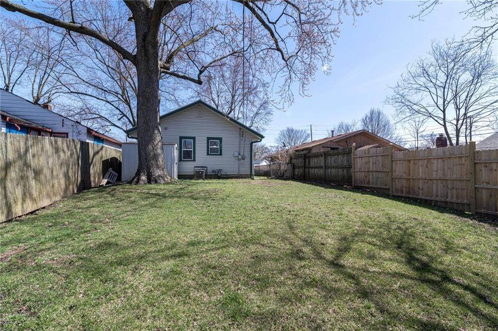 29. Single Family Homes for Sale at 3236 Holt Road Indianapolis, Indiana 46221 United States