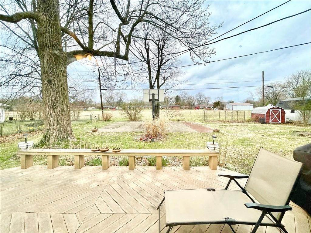29. Single Family Homes for Sale at 207 Narcissus Drive Indianapolis, Indiana 46227 United States