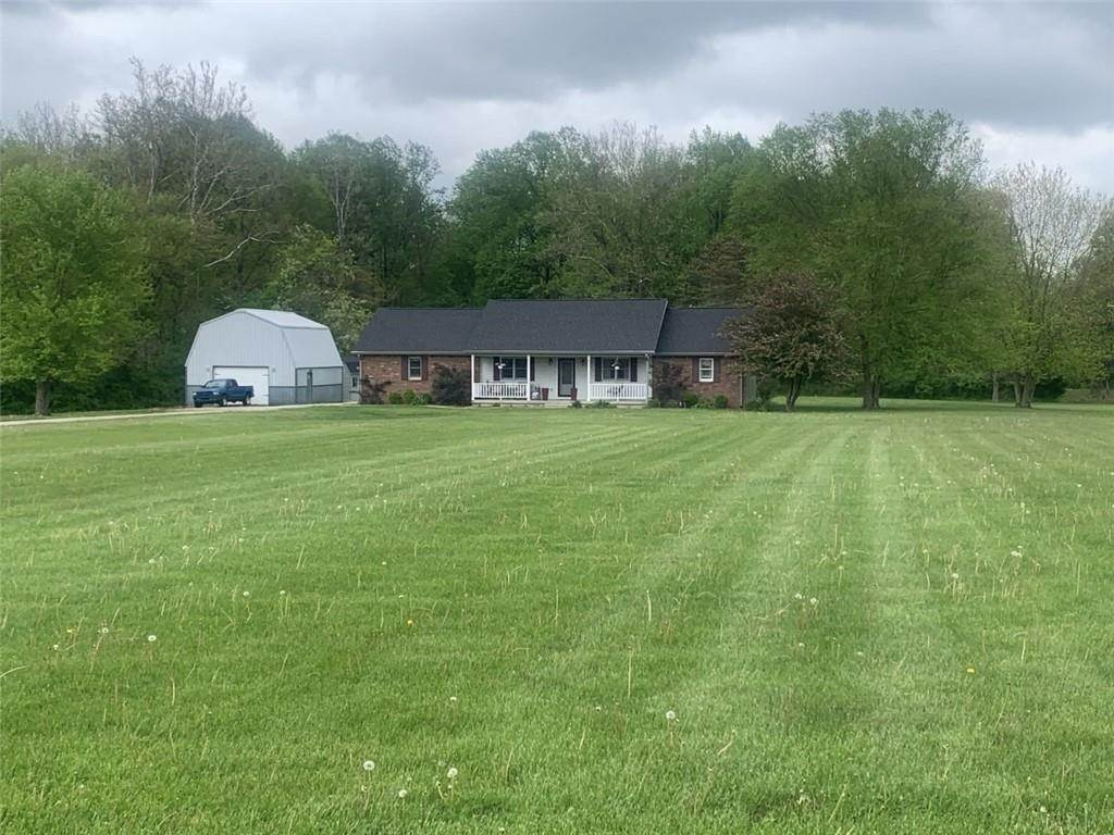 Single Family Homes for Sale at 9020 N Kennedys Crossing Road Brazil, Indiana 47834 United States