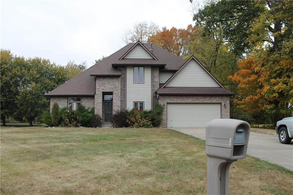 Single Family Homes pour l Vente à 3518 Southway Drive New Palestine, Indiana 46163 États-Unis