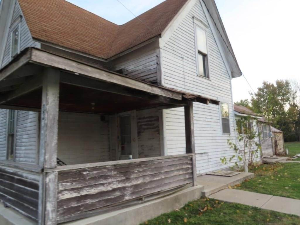 Single Family Homes for Sale at 8418 Walnut Street Daleville, Indiana 47334 United States