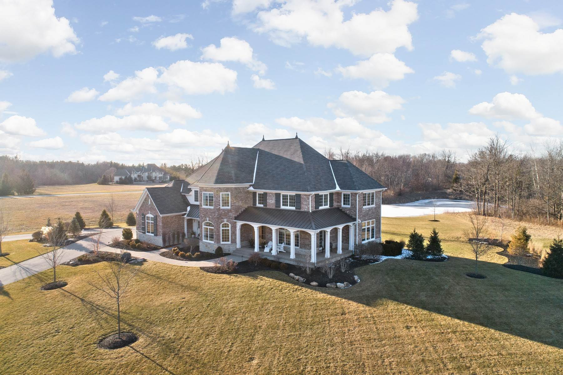 50. Single Family Homes for Sale at Stunning Estate in Shannon Springs 8380 Shannon Springs Drive Zionsville, Indiana 46077 United States