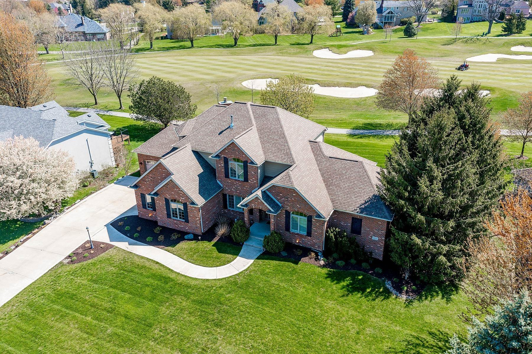 Single Family Homes for Sale at Executive Home on Golf Course 1825 Prestwick Lane Fort Wayne, Indiana 46814 United States