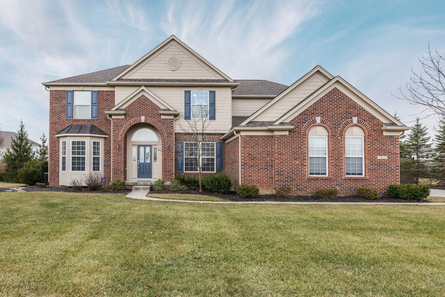 Single Family Homes for Sale at Immaculate Executive Home 9355 Cobblestone Court Zionsville, Indiana 46077 United States