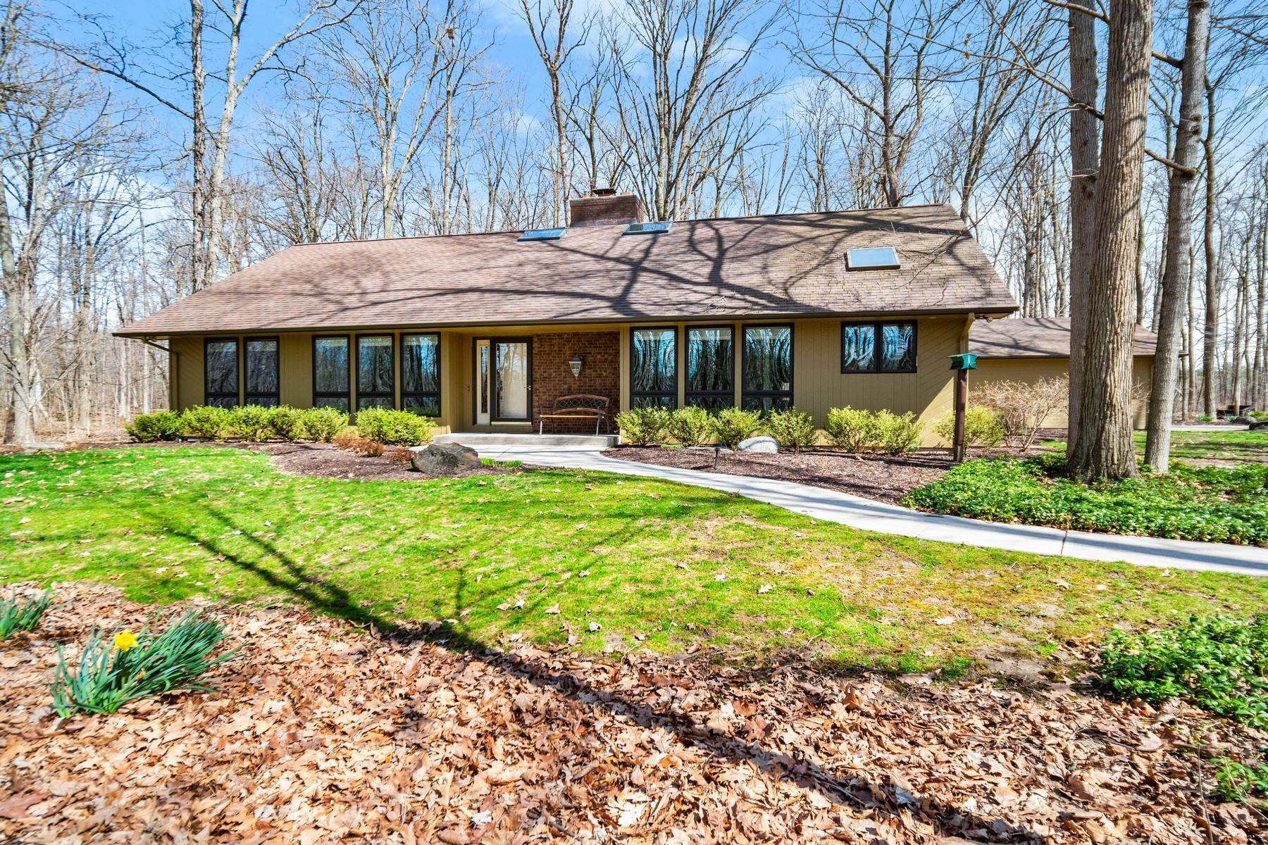 Single Family Homes for Sale at Complete Privacy on 5+ Acres 3907 Eggeman Road Fort Wayne, Indiana 46814 United States