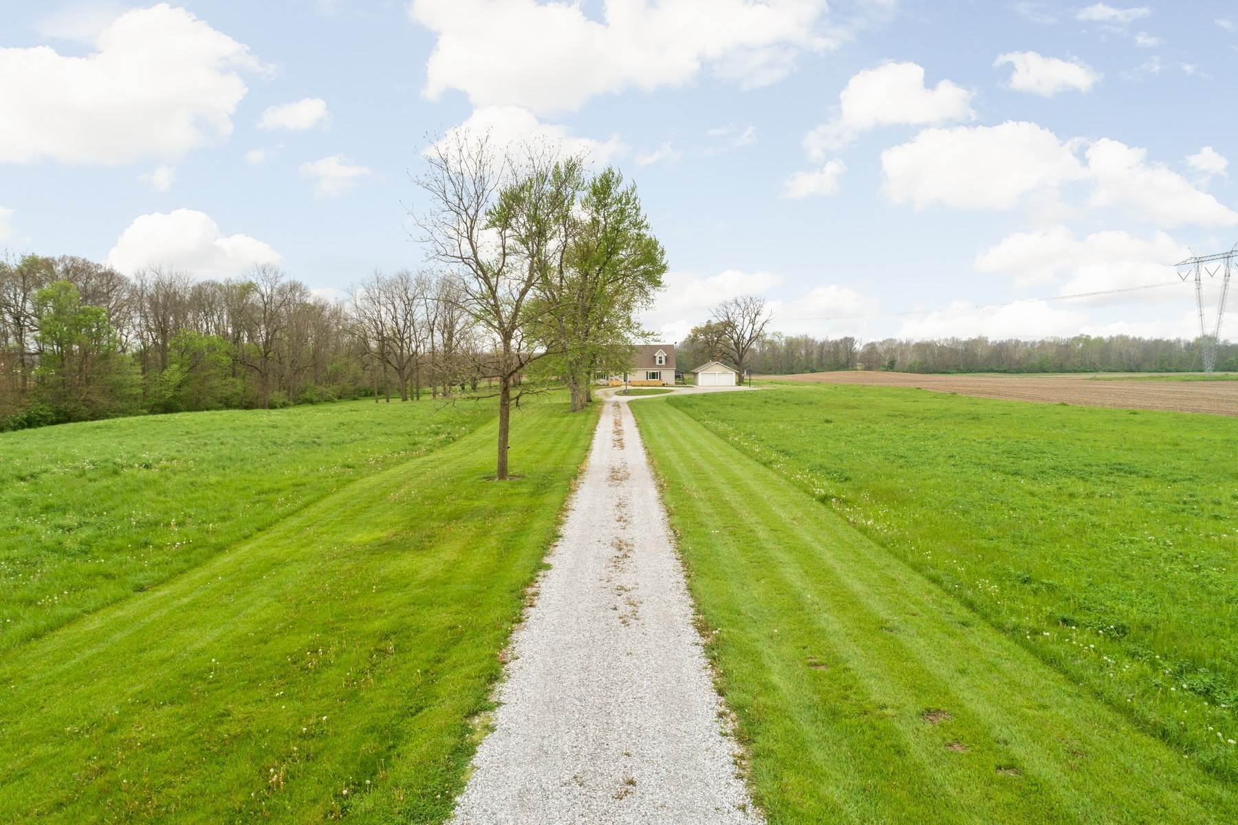 Single Family Homes for Sale at Bucolic Setting in Arcadia 24750 Cornell Road Arcadia, Indiana 46030 United States