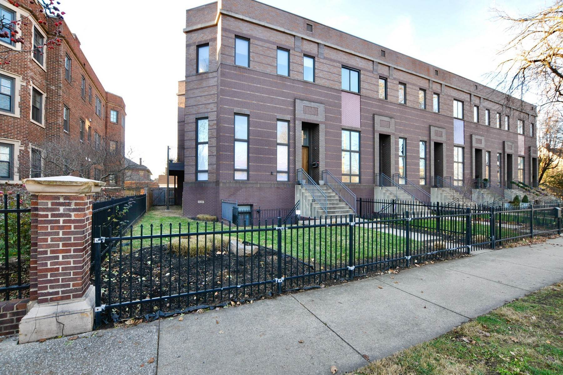 townhouses 在 Urban Luxury Townhome 1326 Central Avenue ???????, ????? 46202 ??