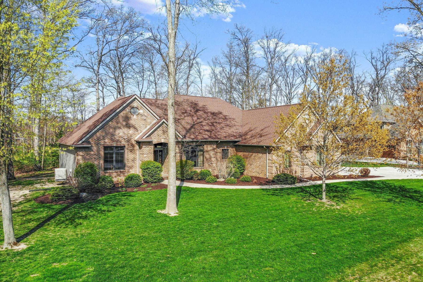 Single Family Homes for Sale at Ranch on Basement in NW Fort Wayne 15917 Cascade Bluff Court Fort Wayne, Indiana 46845 United States