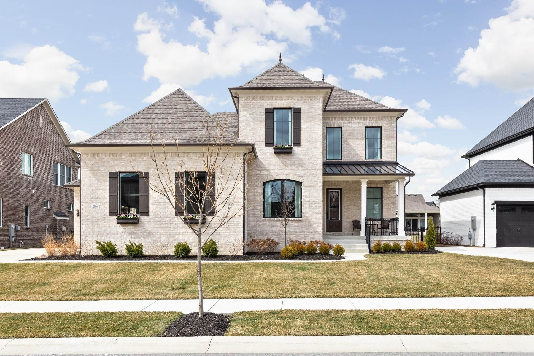 Single Family Homes pour l Vente à Stunning Home in Jackson's Grant 12184 Frenzel Parkway Carmel, Indiana 46032 États-Unis